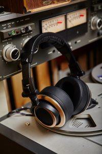 CB1 Closed Back Headphones - Comfort