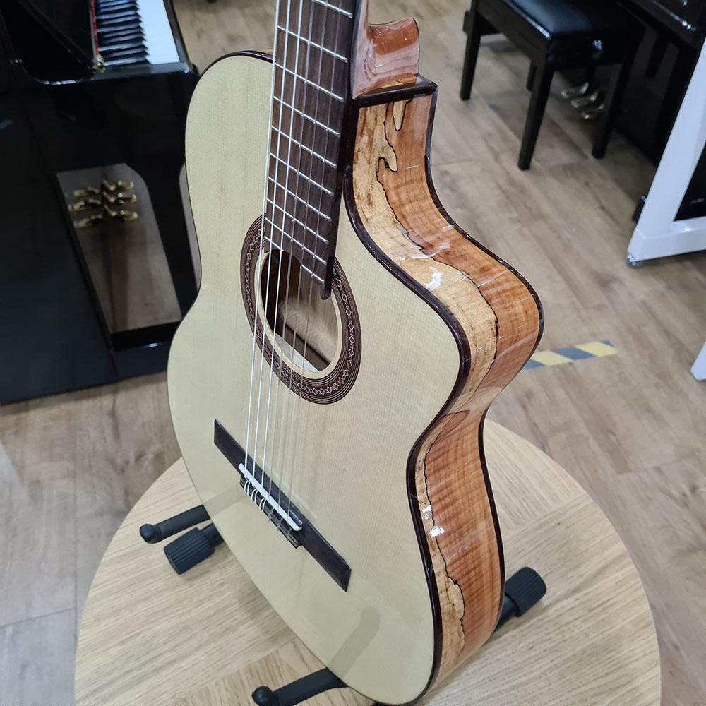 best acoustic guitar for large hands